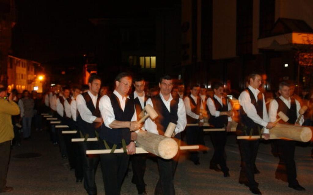 La processione delle bòre in Valle del Chiese