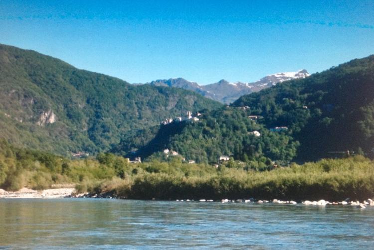 Varallo, fiume Sesia e scorcio della valle con il Sacro Monte