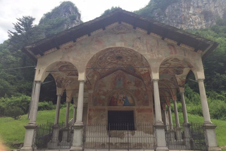 Varallo, cappella di Loreto, fine XIV secolo, opere di Gaudenzio Ferrari
