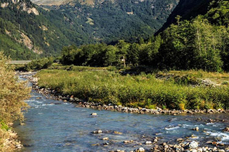 Il Monte Rosa, i torrenti nella stagione estiva